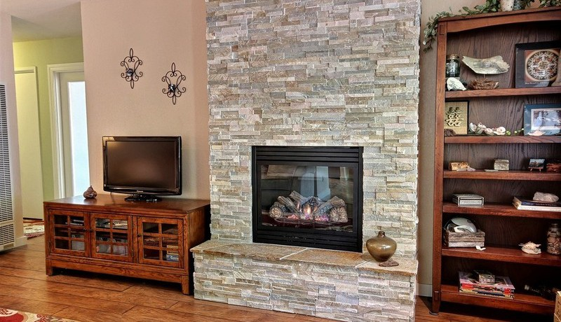 2205 Ludlow Ave Cambria Prop. ID 185647 Fireplace
