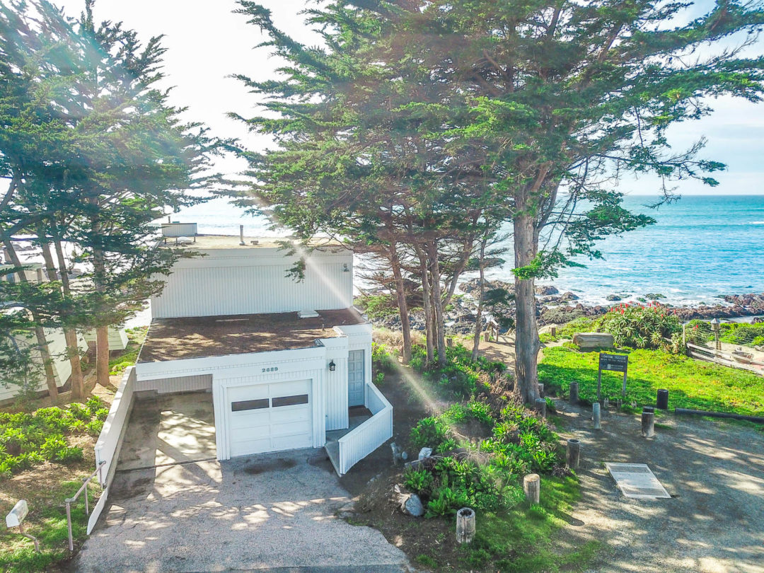 Charming Ocean Front Home in Cambria!